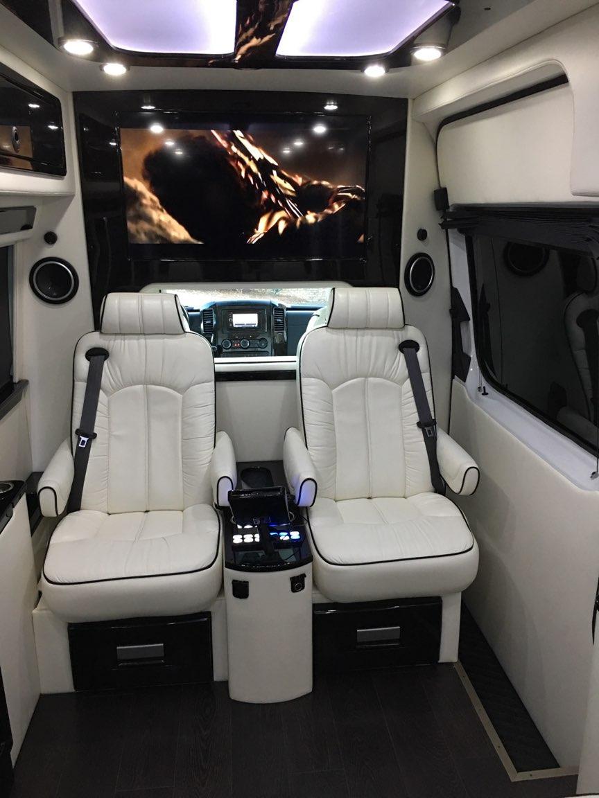 7 passenger executive mercedes sprinter atlanta party bus for Mercedes benz sprinter rental atlanta